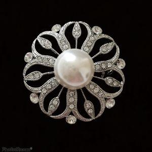 Vintage silver crystal pearl brooch pin